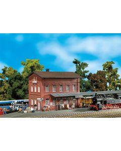 Stasjoner og jernbanebygninger (Faller), , FAL110099