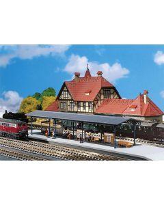 Stasjoner og jernbanebygninger (Faller), , FAL222164