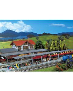Stasjoner og jernbanebygninger (Faller), , FAL222126