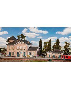 Stasjoner og jernbanebygninger (Faller), , FAL110121