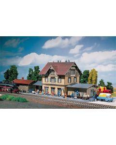 Stasjoner og jernbanebygninger (Faller), , FAL212107