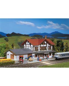 Stasjoner og jernbanebygninger (Faller), , FAL212106