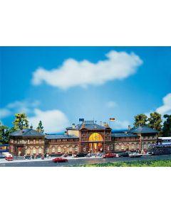 Stasjoner og jernbanebygninger (Faller), , FAL110113