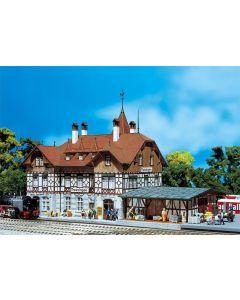 Stasjoner og jernbanebygninger (Faller), , FAL110114