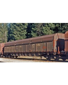 Topline Godsvogner, NMJ Topline model of the NSB Rps 31 76 393 3 323-4 with Finsam brown old type wood chip boxes, NMJT505.302