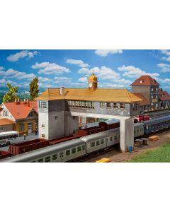 Stasjoner og jernbanebygninger (Faller), , FAL120111