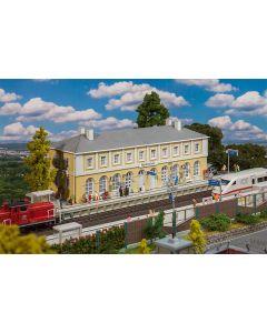 Stasjoner og jernbanebygninger (Faller), faller-110119, FAL110119