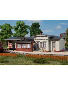 Stasjoner og jernbanebygninger (Auhagen), auhagen-11448-deinste, AUH11448