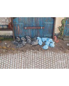 Detaljering, juweela-23397-garbarge-bags-blue-black-scale-1-35, JUW23397