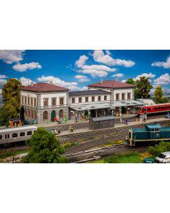 Stasjoner og jernbanebygninger (Faller), faller-110140-koenigsfeld, FAL110140