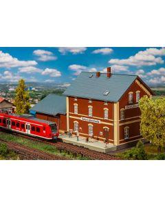 Stasjoner og jernbanebygninger (Faller), , FAL191759