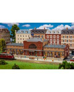 Stasjoner og jernbanebygninger (Faller), , FAL231703